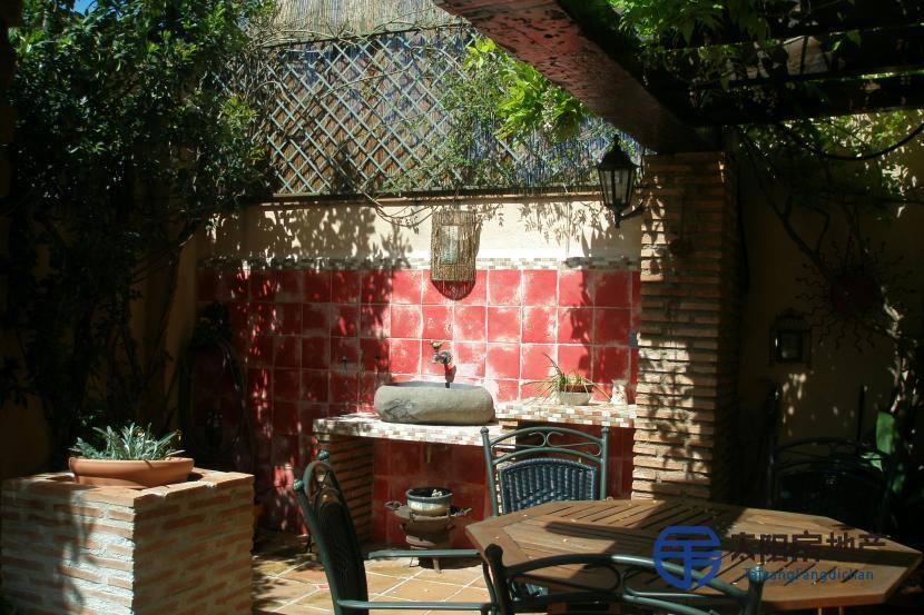 销售位于Granada (格林纳达省)的独立房子