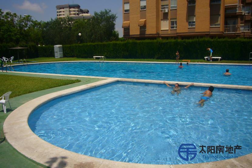 销售位于Alicante/Alacant (阿里坎特省)的独立房子