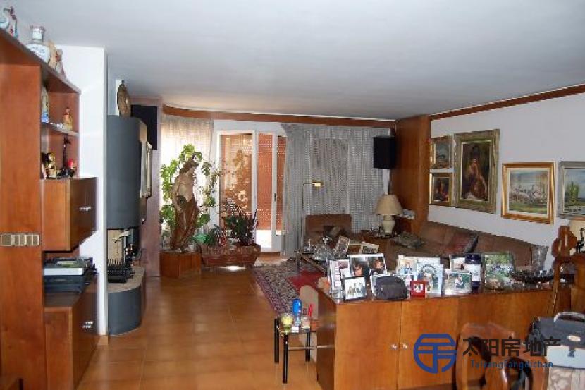 销售位于Capellades (巴塞罗那省)市中心的家庭用房