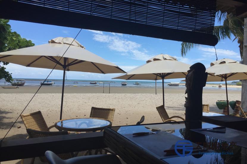 出售天堂岛海边的餐馆...