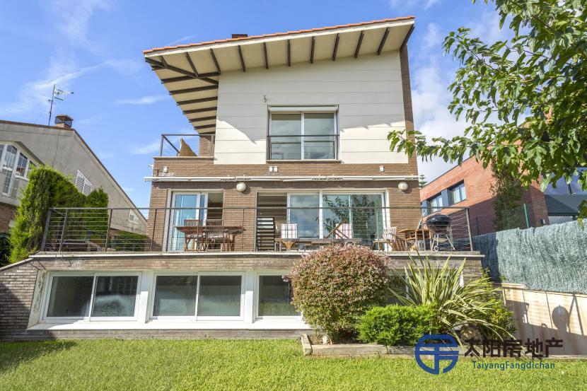 出售位于Tarragona (塔拉戈纳省)市中心的独立房子