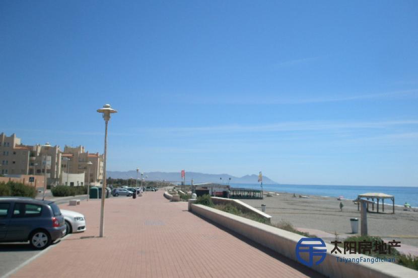 Apartamento en Venta en Retamar (Almería)