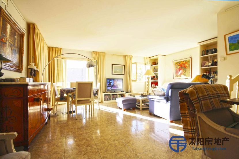 出售位于Port De Pollença (巴利阿里省)市外的复式公寓
