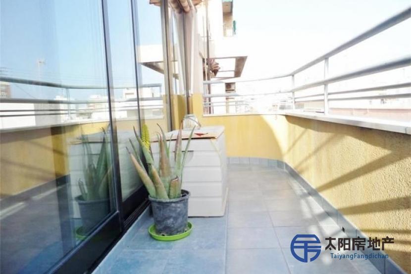 出售位于Alicante/Alacant (阿里坎特省)市中心的阁楼