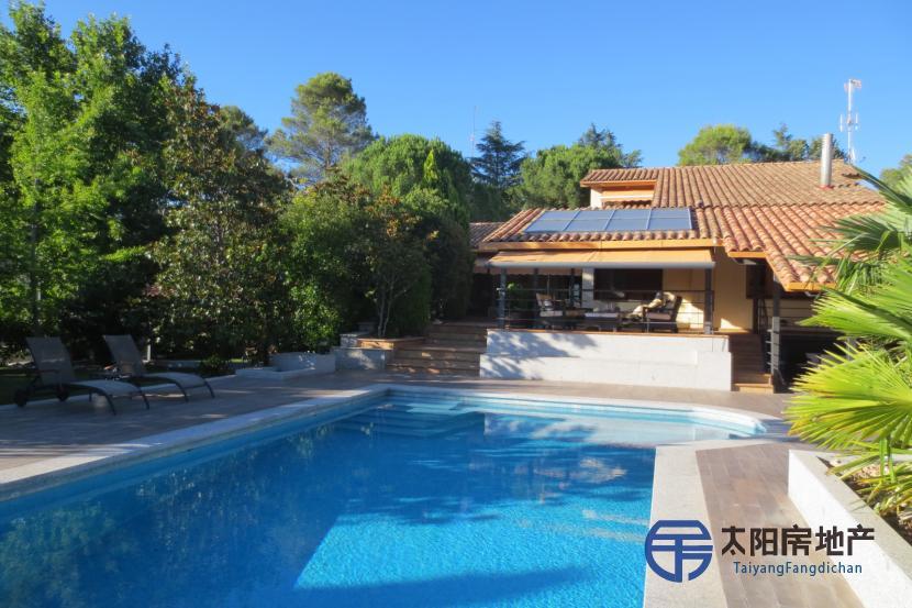 出售位于Villaviciosa De Odon (马德里省)市外的别墅