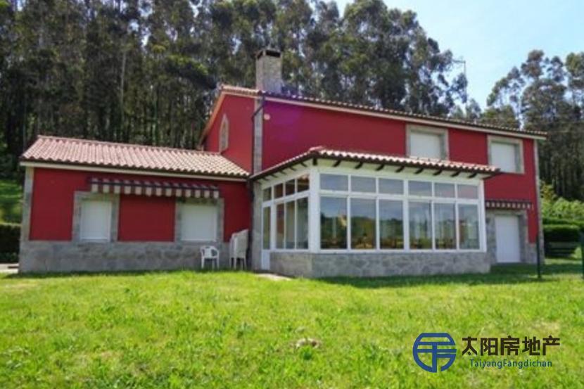 出售位于Luanco (阿斯图里亚斯省)的别墅
