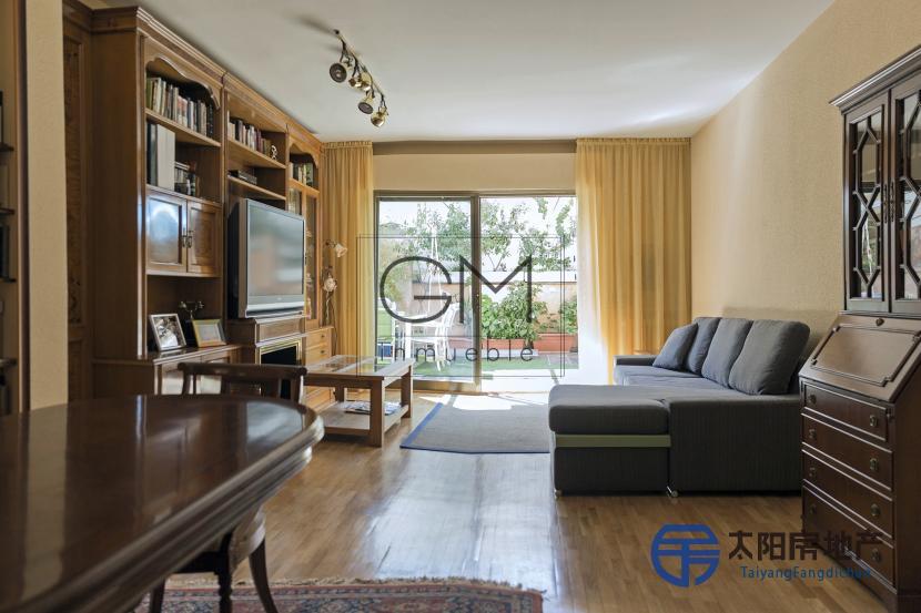 出售位于Madrid (马德里省)的复式公寓
