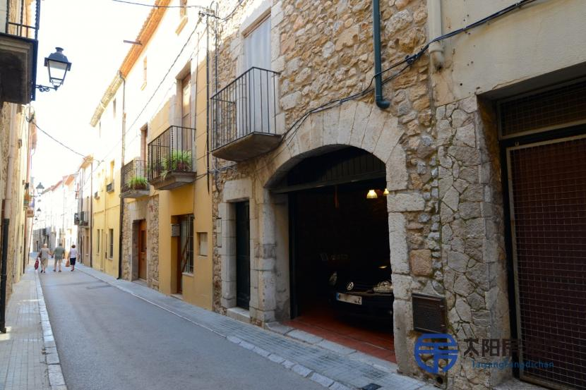 Vivienda Unifamiliar en Venta en Torroella De Montgri (Girona)