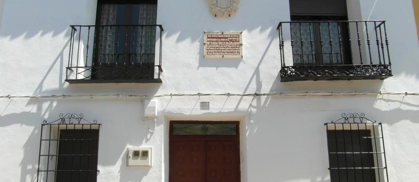 Casa con terreno en pueblo de Cuenca