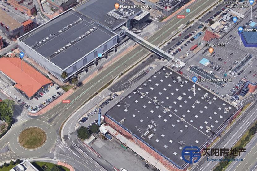 3个购物中心: Max Center(Barakaldo)购物中心,Gran Casa Zaragoza购物中心,Valle Real de Santander购物中心