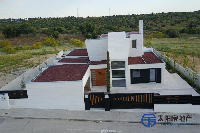 出售位于Majadahonda (马德里省)的别墅