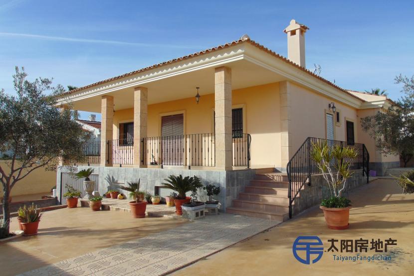 出售位于Rojales (阿里坎特省)市中心的别墅