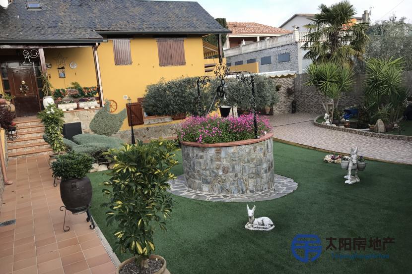 出售位于Castellar Del Valles (巴塞罗那省)市外的独立房子