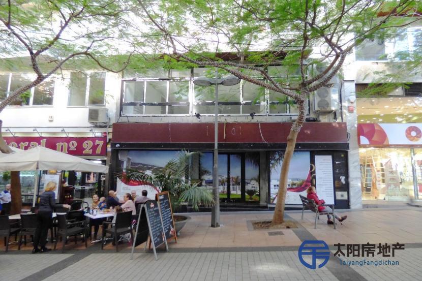 出售位于Santa Cruz De Tenerife (圣克鲁斯-德特内里费省)市中心的建筑
