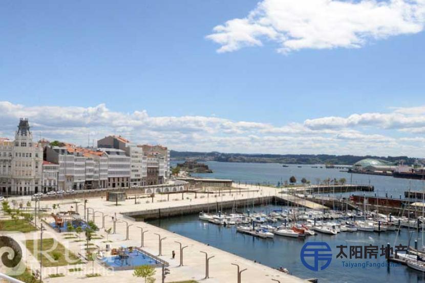 出售位于A Coruña (阿科鲁尼亚省)市中心的公寓