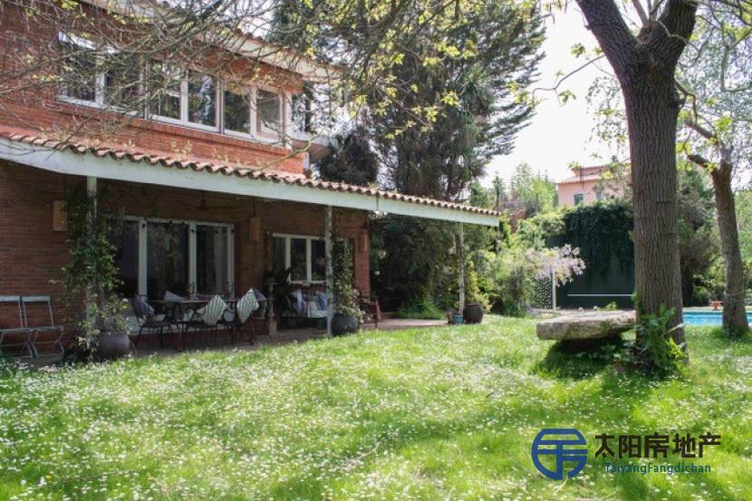 出售位于Valldoreix (Ver Callejero Sant Cugat) (巴塞罗那省)的独立房子