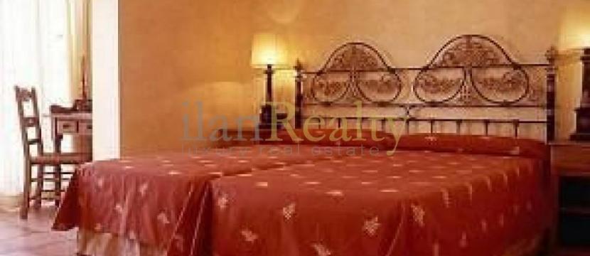 投资者注意:位于Tossa de Mar, Costa Brava的三个酒店出售