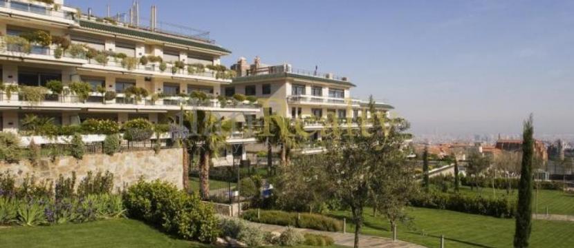 位于巴塞罗那3间,4间和5间卧室的豪华公寓