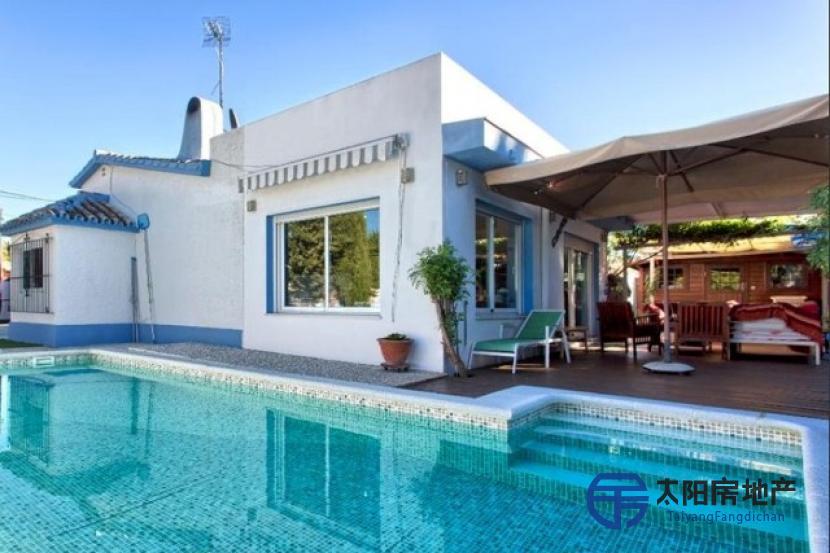 美丽的别墅距离马贝拉最美...