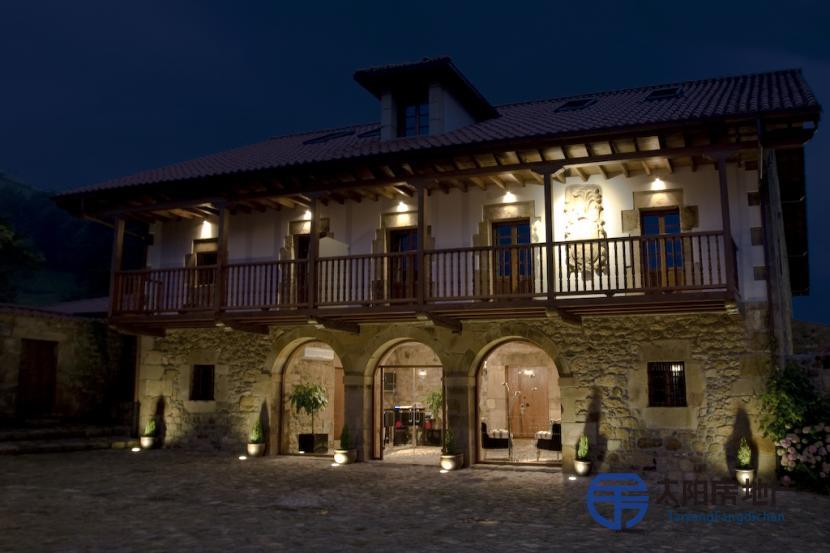出售位于Santa Maria De Cayon (坎塔布里亚省)的酒店