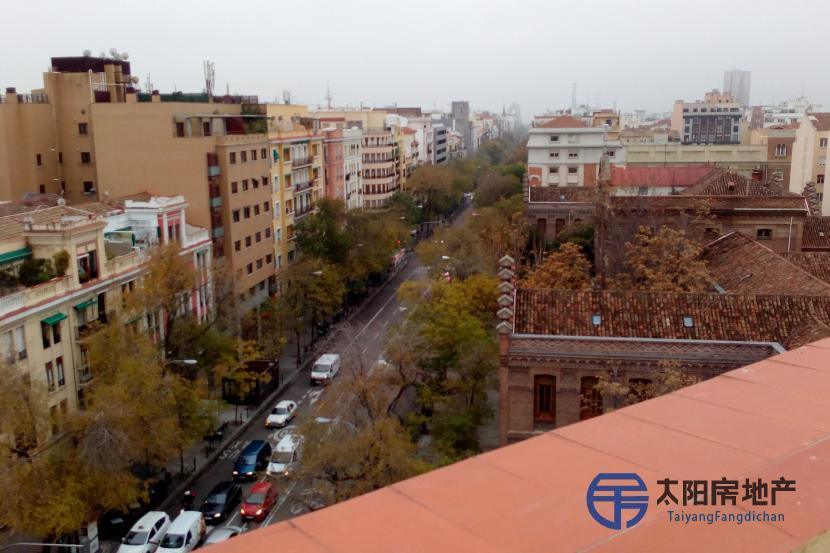 出售位于Madrid (马德里省)的单身公寓, 距离市中心只有3公里