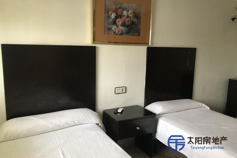 出售位于Cambrils (塔拉戈纳省)市中心的酒店