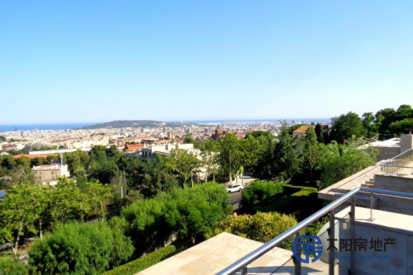 出售位于Barcelona (巴塞罗那省)市中心的别墅