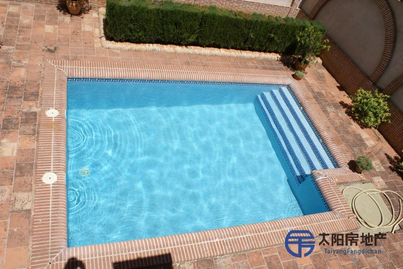 出售位于Puertollano (雷阿尔城省)市中心的复式公寓