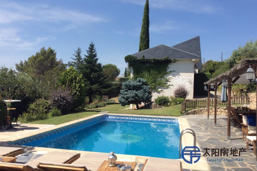 出售位于Torrelodones (马德里省)的别墅