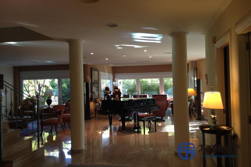 出售位于Zaragoza (萨拉戈萨省)的独立房子