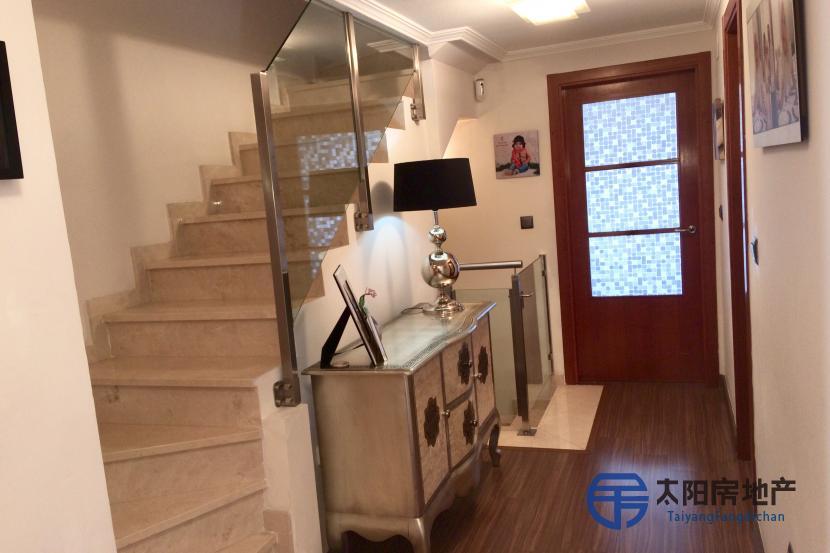 出售位于Alicante/Alacant (阿里坎特省)的别墅