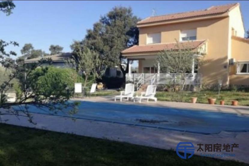 出售位于El Casar De Escalona (托莱多省)市外的别墅
