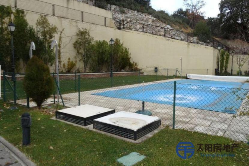 出售位于San Lorenzo De El Escorial (马德里省)的复式公寓
