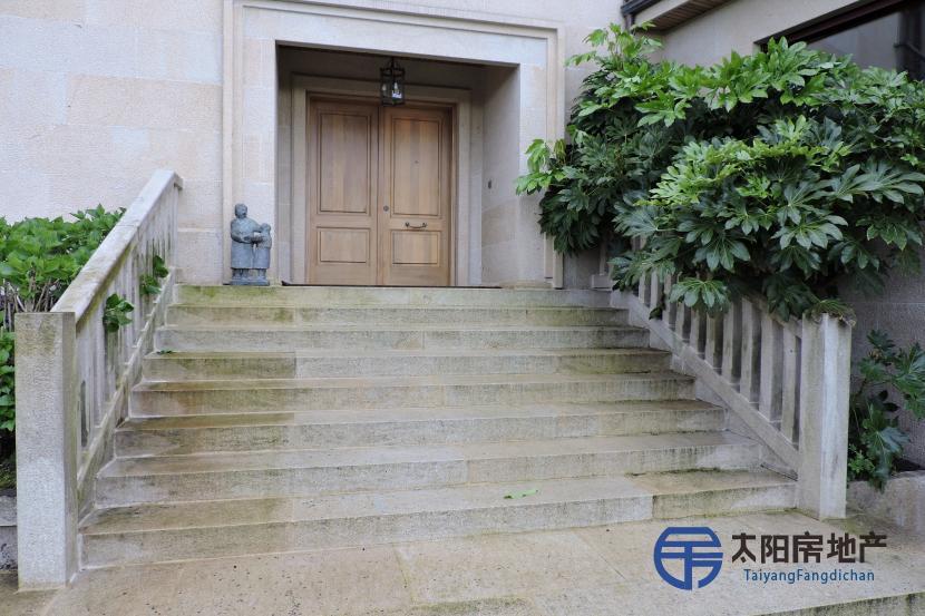 出售位于A Coruña (阿科鲁尼亚省)市中心的别墅