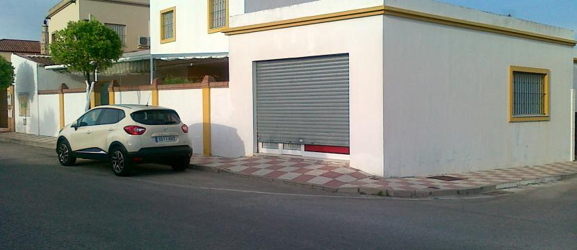 Casa chalet + local