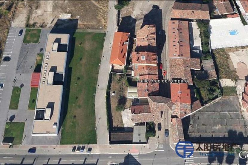 销售独特的建筑 Arco del Amparo, 在Burgos市中心