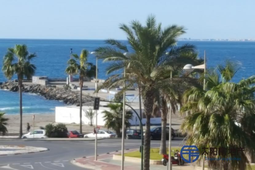 出售位于Almeria (阿尔梅里亚省)的复式公寓