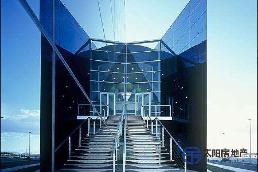 出售位于Murcia (穆尔西亚省)市外的大楼