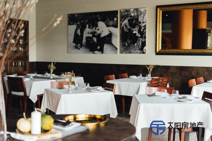 巴塞罗那靠近大海的餐厅
