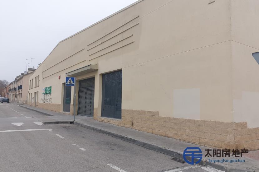 出租位于San Martin De La Vega (马德里省)的商业店铺