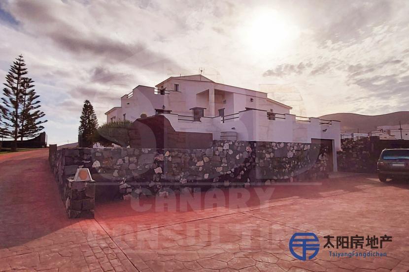 出售位于La Antigua市中心的独立房子