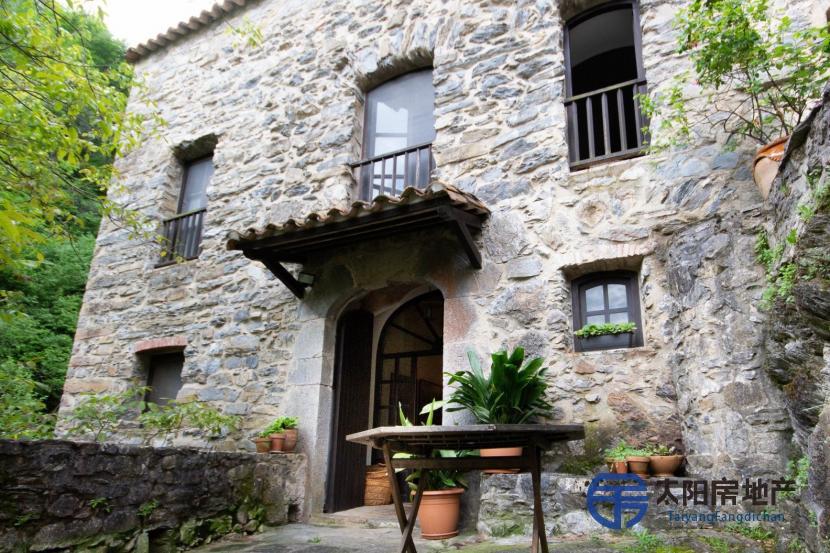 位于Vall de Ba...