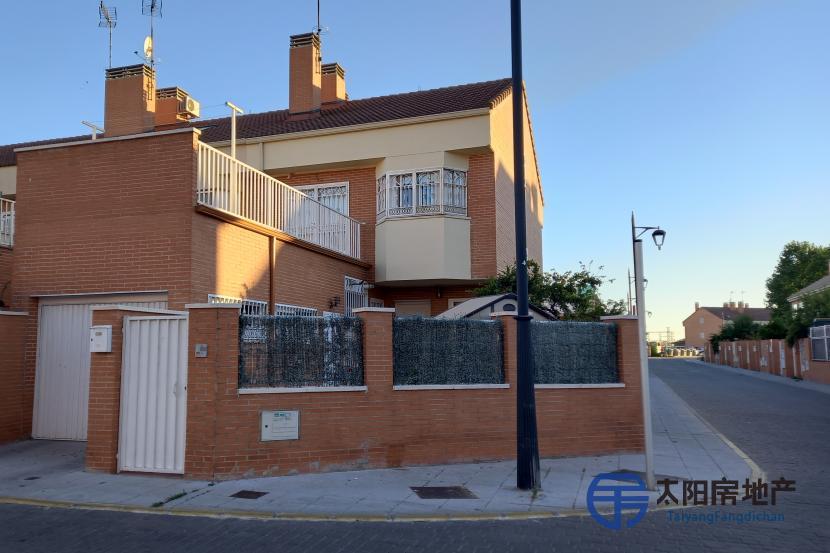出售位于Parla (马德里省)的别墅