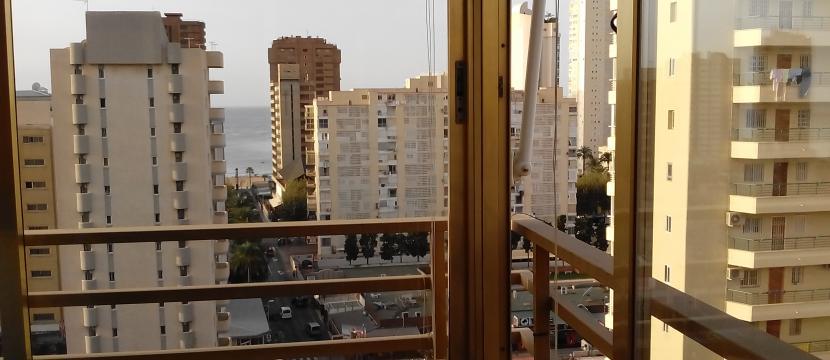 位于市区外部的公寓,距离海滩200米