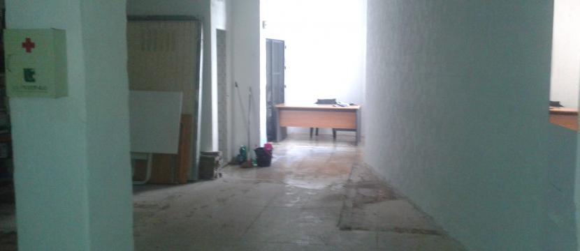 出租商业楼宇121米