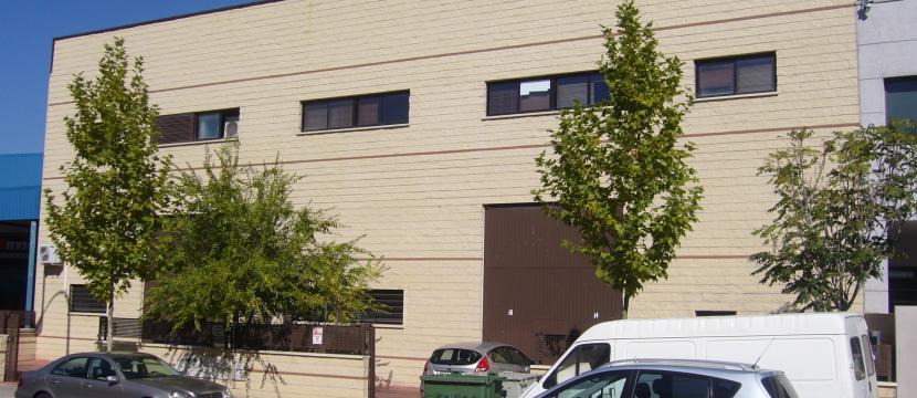 出售厂房位于Prado del Espino工业区- Boadilla del Monte
