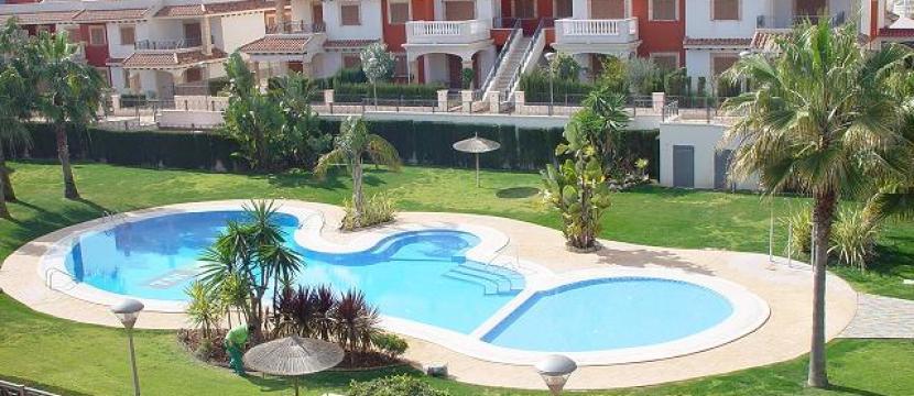 Playa Flamenca - Bonito bungalow alto tipo dúplex.