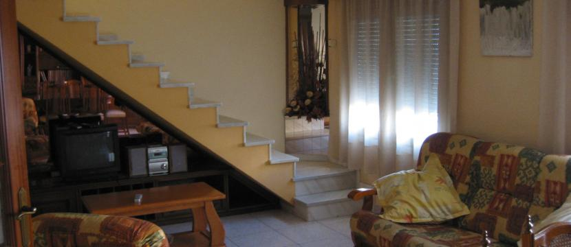 巴塞罗那复式楼 位于Sant Boi Llobregat –大,光线好,配有家具