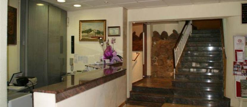 hotel de tres estreallas en venta