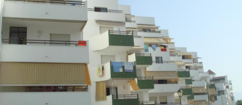 Apartamento-Duplex amueblado de 150 m2 en primera linea de playa de Salobreña